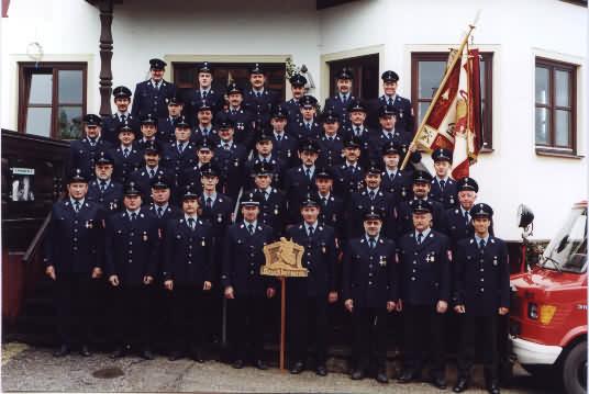 Aktive der FF Bruckbergerau im Jahre 1998